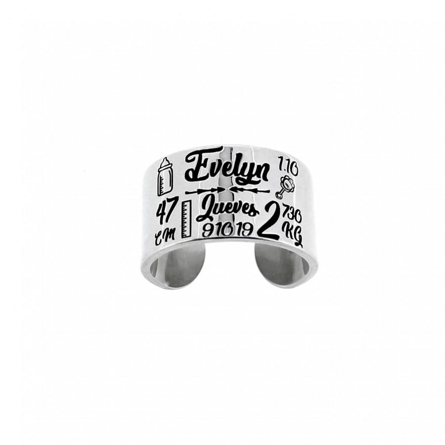 Anillo personalizado tipo natalicio. Un anillo que podrá personalizar con la fecha de nacimiento del bebe